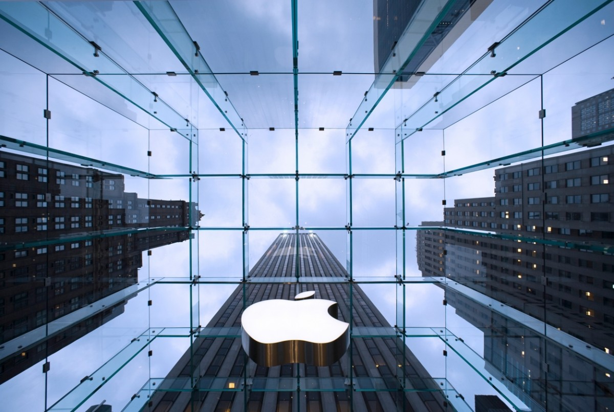 Apple is losing money again after being sued for patents?